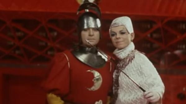 Il bastone per selfie? Scovato in un film cecoslovacco degli anni '70!