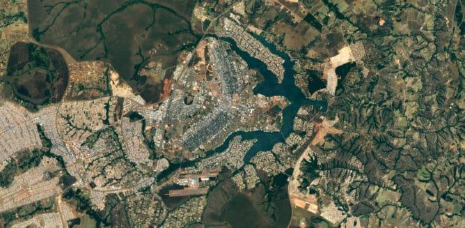 Google potenzia Earth e Maps con Landsat 8: spiamo i nostri vicini!